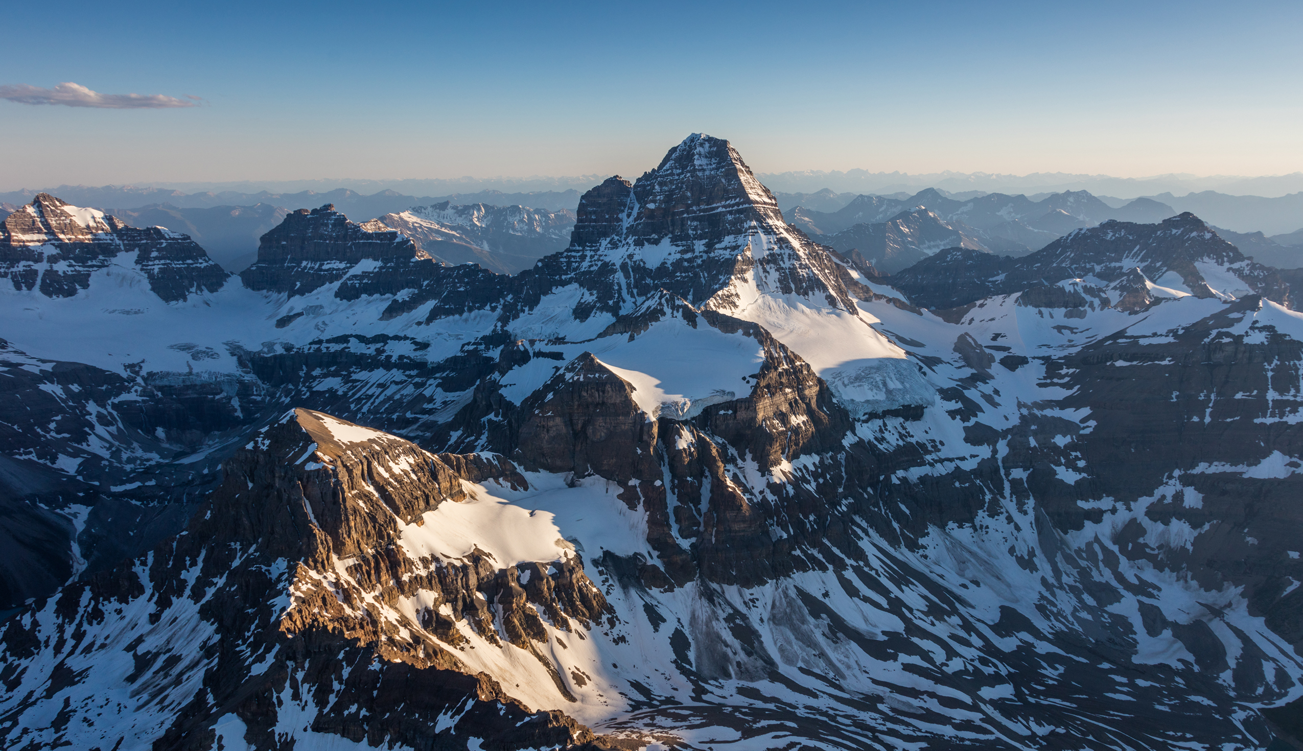 Mount Assiniboine Helicopter Tour